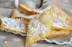 Chiacchiere di Carnevale Italian Cake, Italian Cookies, Beignets, Cake Recipes, Dessert Recipes, Desserts, Italy Food, Frappe, Crack Crackers