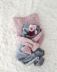 ♦This alpaca sweater: Flat Lay Photography, Clothing Photography, Fall Outfits, Casual Outfits, Fashion Outfits, Alpaca Wool, Pink Sweater, Hand Knitting, Ideias Fashion