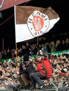 St. Pauli kids.