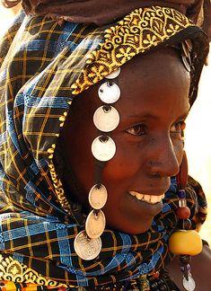 Africa |   Young Peul/Fulani woman, Mali | ©Paul Smith