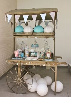 candy  carrito Candy Bar Comunion, Sweetheart Table Backdrop, Decoracion Baby Shower Niña, Wooden Cart, Candy Stand, Sweet Carts, Bar A Bonbon, Candy Bar Party, Candy Cart