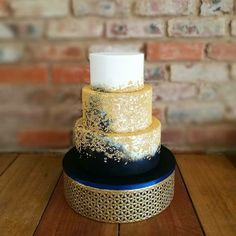 Metal cake stand 30cm