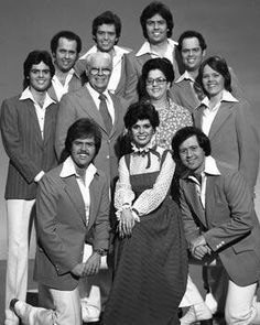 George and Olive Osmond and all 9 of their children, late 1970s.