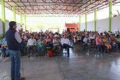 - 102 alumnos recibieron su certificado de primaria y Secundaria - Mil 100 Cartillas se entregaron a beneficiarios Redacción:…