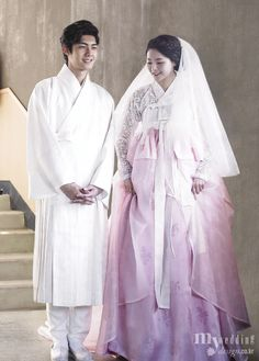 lovely Korean bride and elegant groom, MYWEDDING 담연 이혜순 한복은 결혼의 예禮다