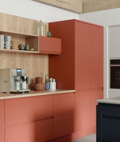 7 bold and beautiful colour ideas for a modern kitchen CORAL KITCHEN Rustic Country Kitchens, Rustic Kitchen, Bohemian Kitchen, Modern Farmhouse, Home Decor Kitchen, Kitchen Furniture, Kitchen Ideas, Kitchen Paint, Plywood Kitchen