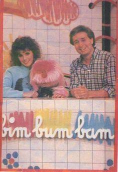 ...Abbiamo conosciuto Paolo Bonolis quando faceva Bim Bum Bam e il vero simpatico era Uan, cagnolone rosa!...