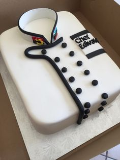 Made this chefs jacket cake for a long time and loyal customer whom I adore! Fondant, Beautiful Cakes, Amazing Cakes, 70th Birthday Cake For Men, Chef Cake, Baker Cake, Cake Stencil, Crazy Cakes, Chocolate Art