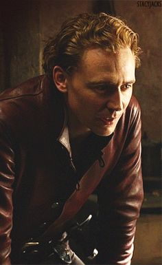 gifs tom hiddleston gif!tomhiddleston henry IV prince hal the hollow crown gif!thc