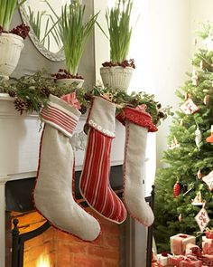 Google Image Result for http://www.saragilbaneinteriors.com/travelfordesign/wp-content/uploads/2010/12/swedish-christmas-elle-decor-1.jpg