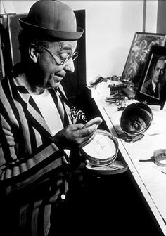 Ed Wynn backstage in his dressing room, Movie Theater, Theatre, Ed Wynn, Dressing Rooms, Classic Hollywood, Picture Photo, Backstage, Famous People, Punch