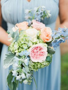 Springtime calls for a plethora of pastels! A wedding bouquet with a lighter pastel palette oozes elegant charm reminiscent of garden romance.
