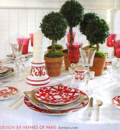 Splendid Sass: CHRISTMAS TABLESCAPES     #MerryChristmas #Tablescapes  @TheDailyBasics ♥♥♥