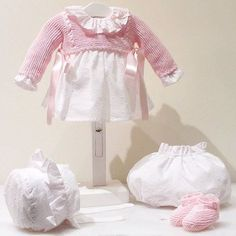 Vestido de topitos para una princesita bella 👑 #petitcolibrishop    Conjunto: V0005-16 Instagram, Ruffle Blouse, Tops, Women, Fashion, Dress, First Day, Baby Knitting, Princess