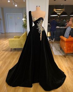 Glam Dresses, Black Prom Dresses, Event Dresses, Pretty Dresses, Fashion Dresses, Formal Dresses, Pageant Gowns, Beautiful Gowns, Stunning Dresses