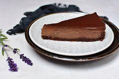 Pečený čokoládový cheesecake s nutelou a polevou ganache Cheesecake, Pie, Yummy Yummy, Food, Bakken, Torte, Cake, Cheesecakes, Fruit Cakes