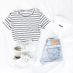 fruhlingsoutfits-jugendmode-modekoffer-modesommer-modeideen-top-trends/ - The world's most private search engine Teenage Outfits, Teen Fashion Outfits, Outfits For Teens, Girl Outfits, Fashion Ideas, Fashion Trends, Lazy Outfits, Vacation Outfits, Dress Outfits