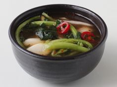 Young radish kimchi (yeolmu kimchi: 열무김치)