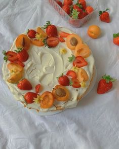 Think Food, I Love Food, Good Food, Yummy Food, Pretty Birthday Cakes, Pretty Cakes, Cute Cakes, Kreative Desserts, Bolo Cake