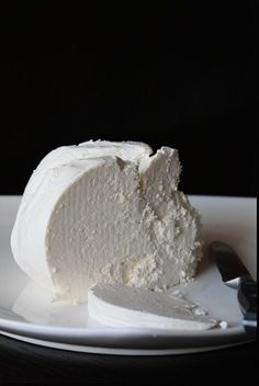 Make your own Homemade Fresh Cheese with only two natural ingredients, no preservatives and no nasty junk they seem to put in everything these days. Get your doze of calcium, tastiest way possible!