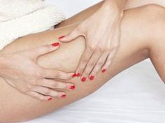Looking to get rid of cellulite? Cellulite can be caused due to reduced blood circulation. Discover the best treatment for cellulite to minimize the bumps. Combattre La Cellulite, Cellulite Cream, Cellulite Remedies, Reduce Cellulite, B12 Injections, Body Challenge, Body Composition, Burn Belly Fat, Beauty Tricks