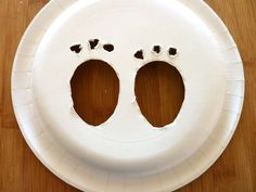 Lizy B: DIY Easter Bunny Footprint Tutorial! Lizy B: DIY Easter Bunny Footprint Tutorial! Easter Bunny Tracks, Easter Deserts, Easter Party Games, My First Easter, Easter Pictures, Hoppy Easter, Easter Eggs, Easter Crafts, Easter Ideas