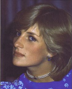 May Princess Diana attending the Piper Champagne National Hunt Awards at the Dorchester Hotel where Prince Charles presented awards for outstanding feats of horsemanship in the National Hunt Season Lady Diana Spencer, Princesa Real, Princess Diana Pictures, Diana Fashion, Women's Fashion, Princes Diana, Diane, Princess Margaret, Royal Princess