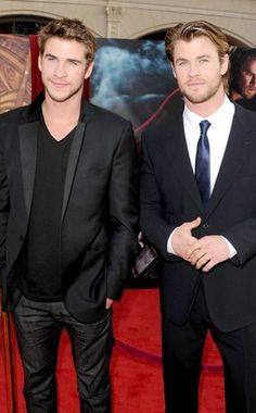 Liam Hemsworth, Chris Hemsworth.
