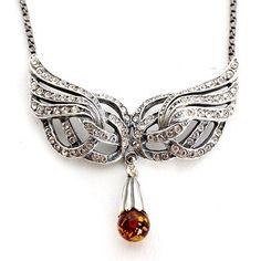 Sterling Silver Necklace Wings Amber. Available at artdecowebstore.com. - Collier Wings Amber. Verkrijgbaar bij artdecowebwinkel.com.