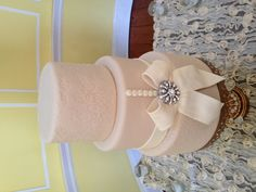 Vintage fondant cake