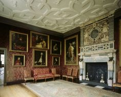 Joshua Reynolds, Thomas Gainsborough, George Romney and others. The Reynolds paintings include portraits of the artist himself, of Samuel Johnson, of the Chinese pageboy Wang-y-Tong and of the actor and impressario David Garrick