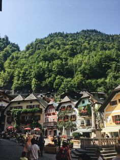 Visiting Austria: A perfect summer day in Hallstatt Days In August, Summer Days, Sunny Days, Austria, Dolores Park, Road Trip, Places, Travel, Viajes