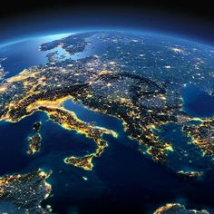 "199 tykkäystä, 10 kommenttia - #HQTravel (@hqtravel) Instagramissa: ""Europe from space 🚀"""