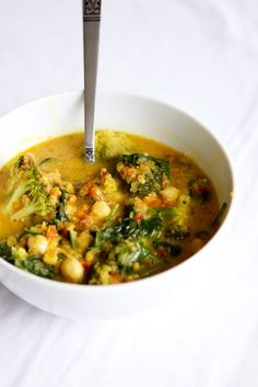 Vegan stew with all the good stuff. Curry, coconut milk, chickpeas etc. Raw Food Recipes, Veggie Recipes, Healthy Recipes, Vegetarian Cooking, Vegetarian Recipes, Enjoy Your Meal, Clean Eating, Healthy Eating, Food For Thought