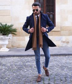 11 Best Men's Fashion Tips To Elevate Your Style! - Nas Kobby Studios - Mode masculine, formes de style et astuces vestimentaires Best Mens Fashion, Mens Fashion Suits, Fall Fashion, Fashion Menswear, Classy Mens Fashion, Fashion Boots, Big Men Fashion, Fashion Group, Womens Fashion