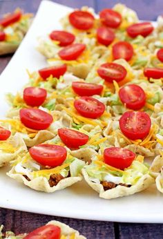Taco Bites Appetizers - Valya's Taste of Home Mini Appetizers, Appetizers For Kids, Christmas Appetizers, Appetizer Recipes, Delicious Appetizers, Cheese Appetizers, Birthday Appetizers, Potluck Appetizers, Vegetarian Appetizers