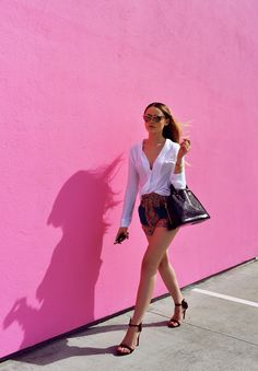 KAYTURE Top: Zara, Shorts: Tolani, Bag: Louis Vuitton, Shoes: Oscar Tiye, Bracelets: Vita Fede / Piaget, Rings: Alex Mika / Vite Fede.