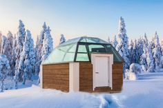 Glass Igloos of Arctic SnowHotel Glass Igloos Rovaniemi Lapland Finland: observe northern lights - aurora borealis in Finnish Lapland. Northern Lights Igloo, See The Northern Lights, Igloo House, Alaska, Hotel Specials, Unusual Hotels, Lapland Finland, Ice Hotel, Luxury Escapes