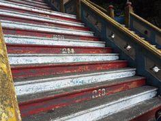 272 steps to the top. I'm almost there... @Batu Cave, Kuala Lumpur, Malaysia