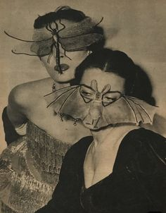 The Magical World of Loveage Moondream - spicyhorror: Scoop magazine, 1954 Photographie Indie, Photographie Portrait Inspiration, Arte Obscura, Arte Horror, Alphonse Mucha, Foto Art, Vintage Dior, Vintage Art, Dark Art