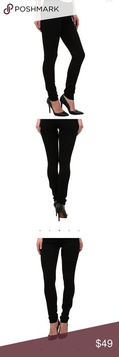 Joe's Jeans NWT Flawless Collection - Black(sz 25) Joe's Flawless Collection lifts and hides imperfections for your most flattering, gravity-defying silhouette ever! The signature Honey Curvy is designed for the voluptuous woman with a smaller waist and luscious booty. Flattering, mid-rise jean fits skinny through the hip through the leg. Fitted waistband is contoured to prevent gapping and accentuate curves…