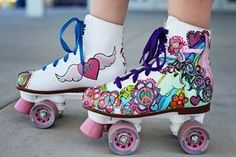Custom Painted Skates for Girls Unicorn flowers free spirit hearts wings Skater Style crystals sparkle rainbows by dreaminbohemian on Etsy Roller Derby, Roller Skating, Rollers, Roller Skate Shoes, Quad Roller Skates, Skate Party, Skater Style, Skater Girls, Sneakers