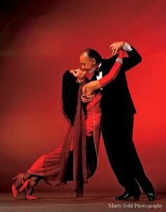 """Marcella Duran and Carlos Gavito in Luis Bravo's """"Forever Tango"""" - photo by Marty Sohl"""