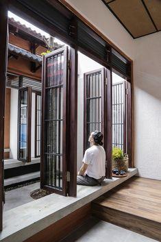 Small House Design, Dream Home Design, Modern House Design, Home Interior Design, Courtyard Design, Courtyard House, Indian Home Design, Indian Window Design, Village House Design
