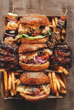 Hyper-Caine — vividessentials: Tasty selection of gourmet. Hyper-Caine — vividessentials: Tasty selection of gourmet. I Love Food, Good Food, Yummy Food, Best Junk Food, Beste Burger, Gourmet Burgers, Beef Burgers, Food Platters, Meat Platter