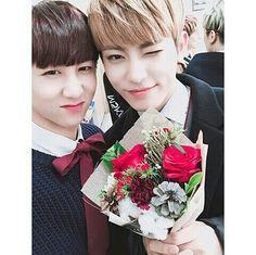This picture is really my favorite... Both looks so cute and aaargghhh- Congratulations to my little Jinhong~♡ #24k #24u #hongseob #hui #cory #kisu #jinhong #changsun #jeonguk #boygroup #kpop #choeunentertainment #choeun