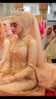 Hijabi Wedding, Muslimah Wedding Dress, Popular Wedding Dresses, Disney Wedding Dresses, Muslim Brides, Muslim Dress, Pakistani Wedding Dresses, Bridal Dresses, Wedding Gowns