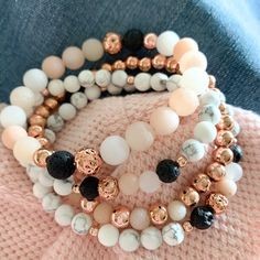 Amplify feelings of optimism and gratitude with this blush pink healing crystals Aventurine bracelet. Blush aventurine can help us to sidestep anxiety issues. Stone Jewelry, Diy Jewelry, Beaded Jewelry, Handmade Jewelry, Jewelry Making, Gold Jewelry, Jewellery, Gemstone Bracelets, Handmade Bracelets
