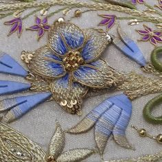Medieval Embroidery, Hand Embroidery Dress, Embroidery On Clothes, Couture Embroidery, Silk Ribbon Embroidery, Beaded Embroidery, Embroidery Stitches, Embroidery Patterns, Broderie Simple