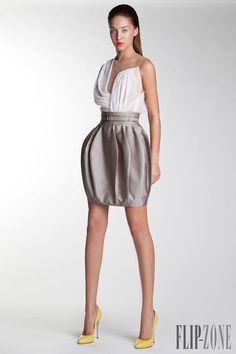 Basil Soda - Ready-to-Wear - Spring-summer 2014 - http://www.flip-zone.net/fashion/ready-to-wear/fashion-houses-42/basil-soda-4242